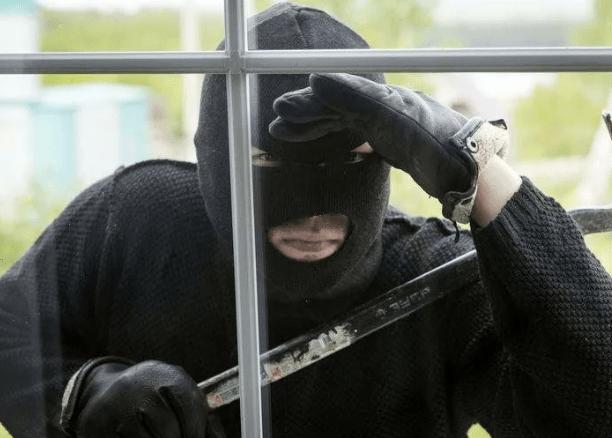 В Петровском городском округе установлен подозреваемый в совершении нескольких краж
