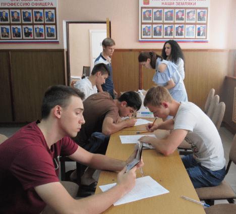 Полицейские Минераловодского городского округа провели профилактические беседы с призывниками