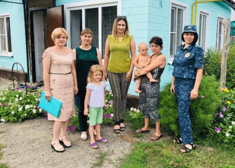 В Ставропольском крае полицейские посещают семьи, находящиеся в трудной жизненной ситуации