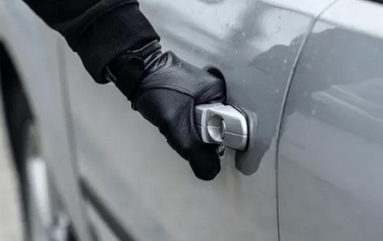 В Апанасенковском районе установлены подозреваемые в угоне автомобиля