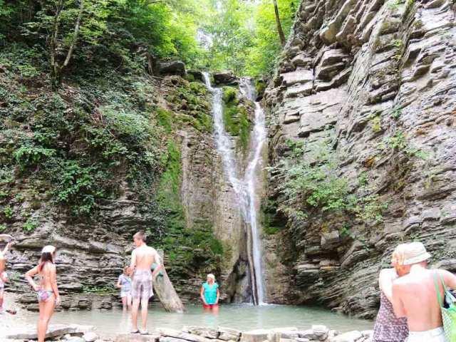 С туристов незаконно брали деньги за посещение лесов в Новороссийске и Геленджике