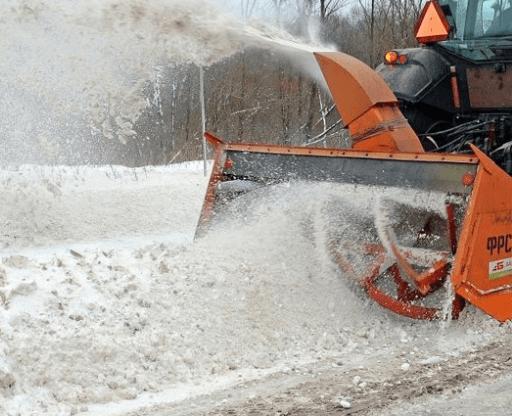 В Дагестане из-за сильного снегопада принято решение о закрытии перевала для проезда