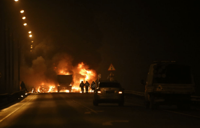 """Трасса """"Скандинавия"""" в районе 143 км полностью перекрыта – из-за жёсткой аварии грузовика и шести легковушек"""