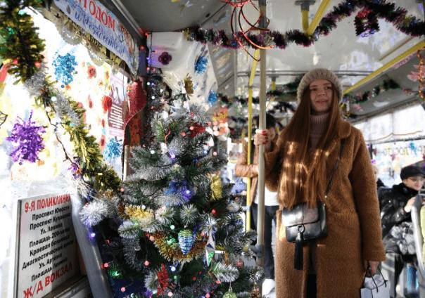 В Ставрополе запустили Новогодний троллейбус