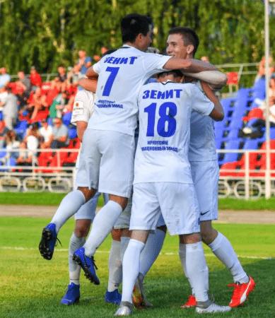 """Футболисты из известного клуба """"Зенит"""" работают грузчиками из-за отсутствия зарплат"""