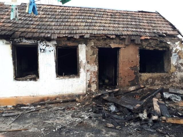 5-летняя девочка скончалась в больнице после пожара на Ставрополье