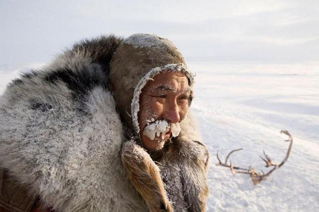 Пробывший в тундре 16 дней без еды оленевод чудом выжил на Чукотке