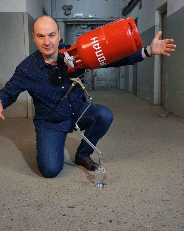«Огненный номер» с газовым баллоном показал иллюзионист из Кисловодска