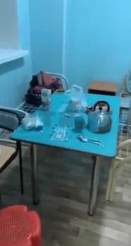 В Чите китаец, который находится в больнице с подозрением на вирус, возмутился ужасными условиями