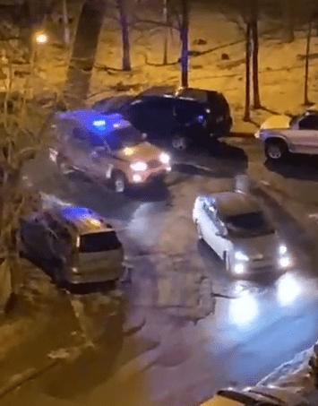 Во Владивостоке патрульная машина не смогла остановить для обычной проверки Toyota Prius и несколько часов просто за ней ездила