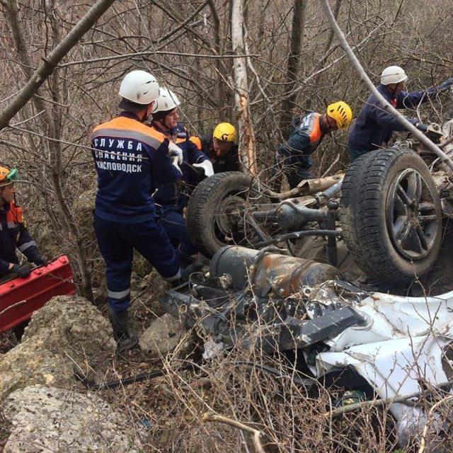 Водитель «Нивы» погиб после падения внедорожника со 100 метровой высоты в Кисловодске