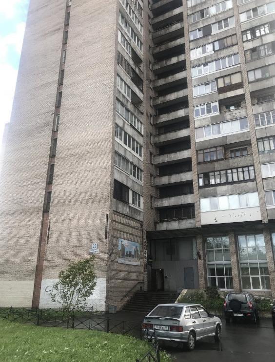 В Санкт-Петербурге два брата скинули соседа с 13 этажа