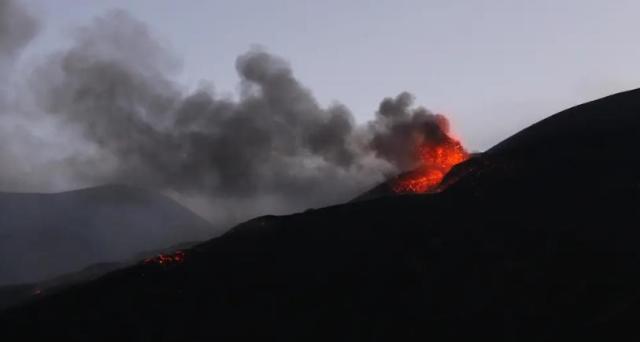 Пока в России «митингуют» в Италии проснулся самый крупный вулкан Европы - Этна