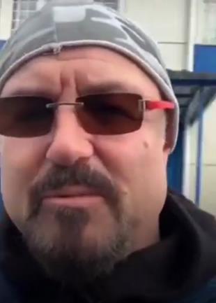 Максима Леонидова задержали полицейские за прогулку по парку в Санкт-Петербурге