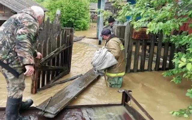 Из-за паводков в трёх районах Красноярского края ввели режим ЧС