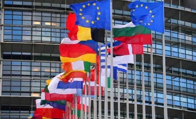 Россиянам не разрешили посещать Евросоюз с 1 июля