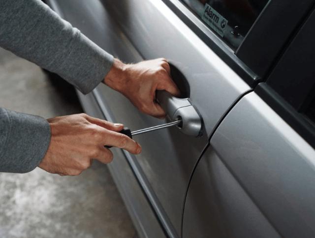 В Невинномысске двоих подростков подозревают в угоне автомобилей
