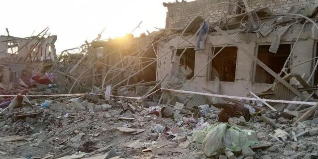 13 человек погибли при ракетной обстреле азербайджанской Гянджи этой ночью