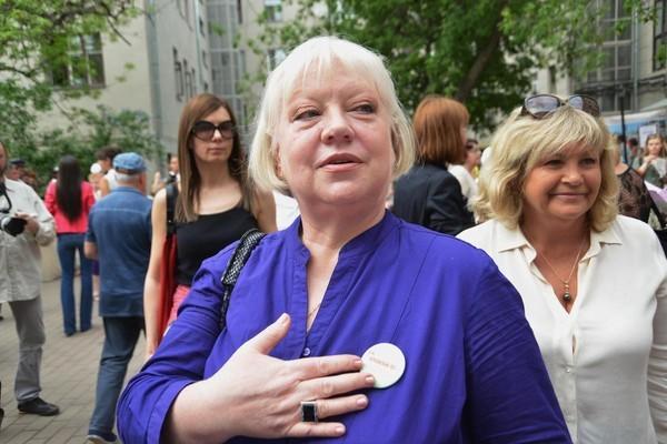 Актрису Светлану Крючкову экстренно госпитализировали в клинику Санкт – Петербурга