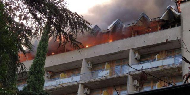 Короткое замыкание стало причиной пожара в санатории Крыма