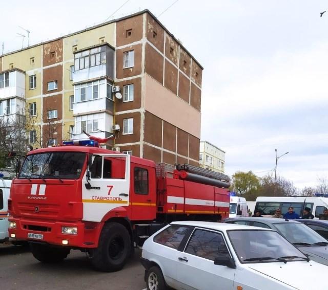 Два человека пострадали во время крупного пожара в Ставрополе