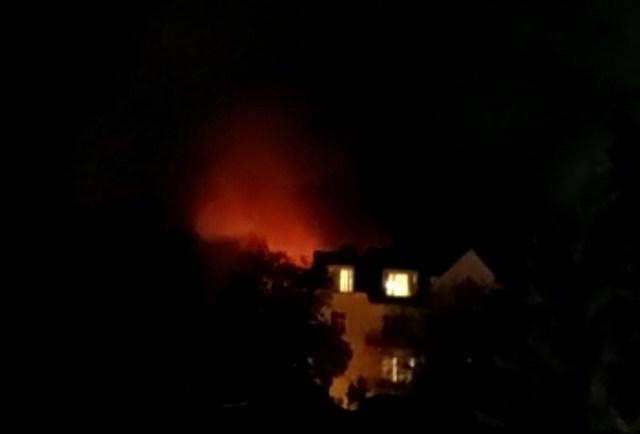 В Кисловодске горит частный дом