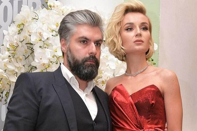 Полина Гагарина официально развелась с мужем