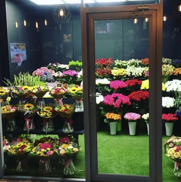 Продавщицы цветов обокрали хозяина в Ессентуках