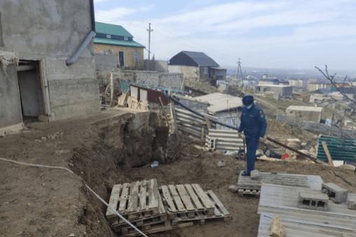 Оползень может разрушить 5 жилых домой в Махачкале