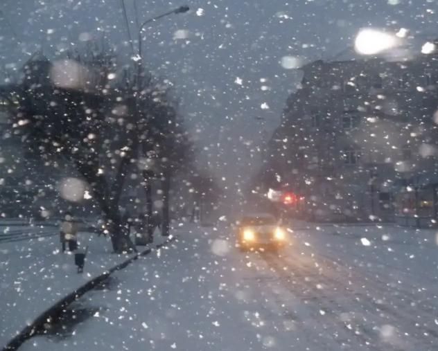Зима не сдаётся : снегопад надвигается на Ставрополье