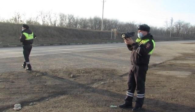 На аварийных участках дорог Ставрополья будут измерять скорость автомобилей