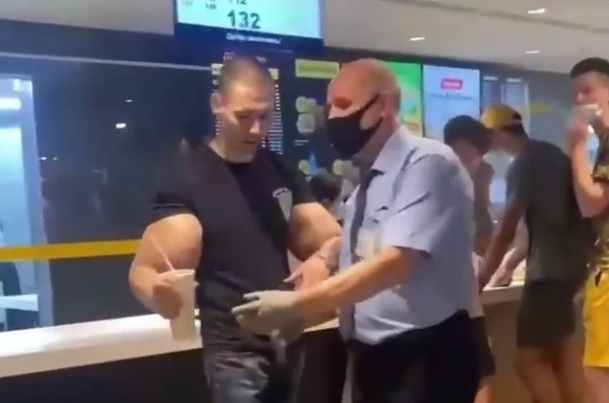 Руки-Базуки из Пятигорска устроил дебош в московском кафе