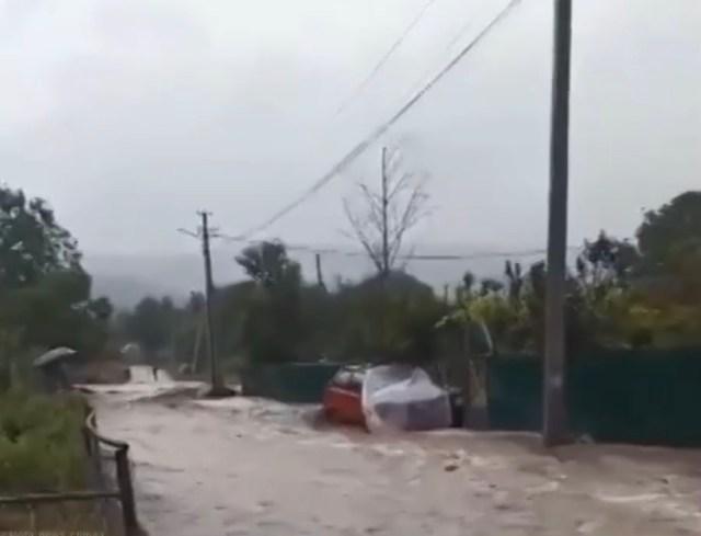 Сильные ливни в Крыму вновь вызвали подтопления