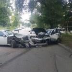 Водитель-нарушитель в Кисловодске попал в реанимацию после аварии