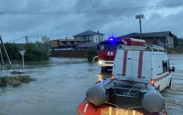 ВАнапе из-за наводнения эвакуировали около пяти сотен человек