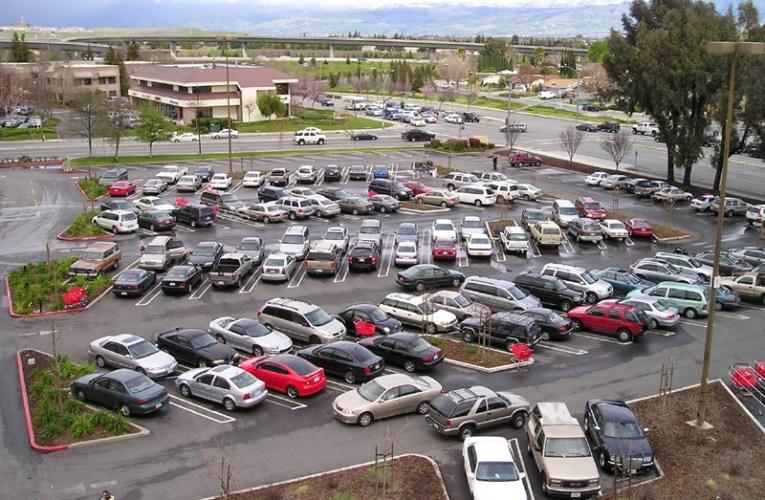 Licitații pentru locuri de parcare