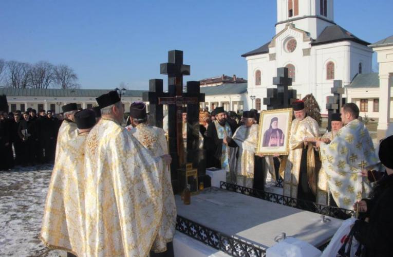Pomenirea arhiepiscopului Eftimie Luca la Catedrala din Roman