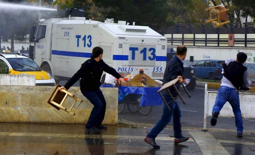 Протест в Стамбуле разогнан водометами и слезоточивым газом