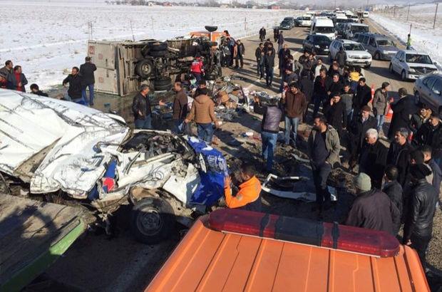 ДТП в Ване: 11 погибших, 6 раненых