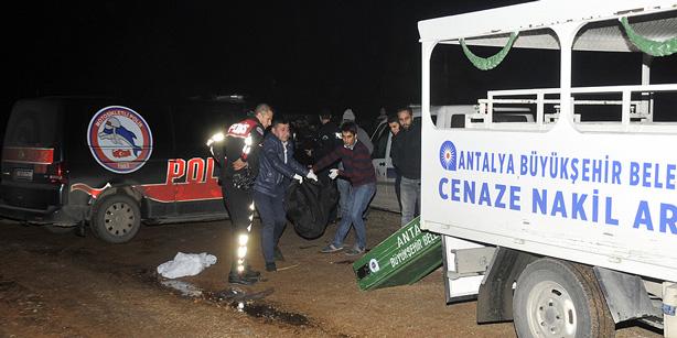 17-летнюю девушку вытолкнули на ходу из машины в Анталии