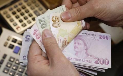 Валютный рынок открылся обвалом лиры