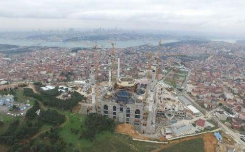 Самая большая мечеть откроется в Ночь предопределения