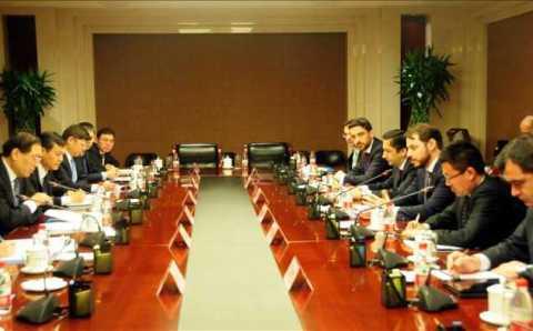 Министр экономики ищет инвесторов в Китае