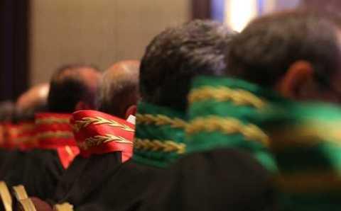 Власти уволили еще 149 судей и 44 прокурора