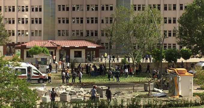 Мощный взрыв в Газиантепе: 1 погибший, 13 раненых