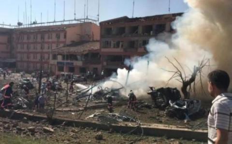 Теракт в Элязыге: 3 погибших, 146 раненых