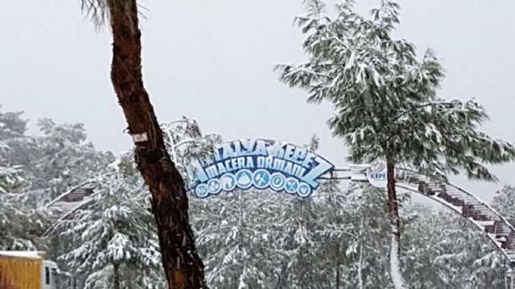 В Анталии впервые с 1993 года выпал снег