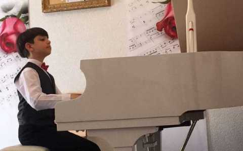 10-летний пианист-вундеркинд из Эскишехира