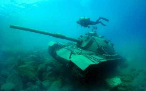К достопримечательностям Каша добавился подводный танк