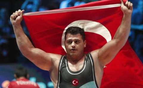 Рыза Каяалп становится трехкратным чемпионом мира